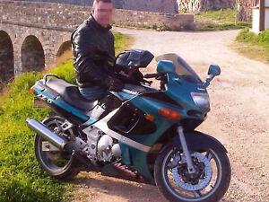 Moto en parfait condition, immatr. 1/2 prix