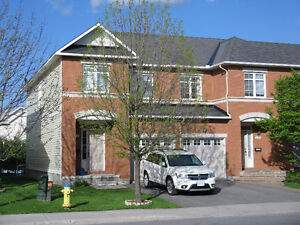 BARRHAVEN END-UNIT TOWN-HOUSE for RENT $1550/month + Ultilities