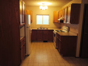 Spacious 5 bedroom duplex with full basement in Forest Grove