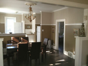 1,2,3,4,5,6,7 bedrooms fully furnished starting at $ 1495 and up Regina Regina Area image 9