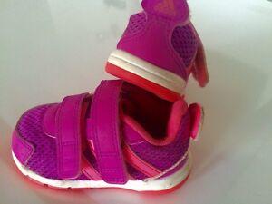 3 paires de souliers filles. Nr5