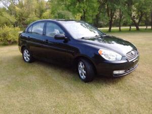 2010 Hyundai Accent GLS * NEW SAFETY!*