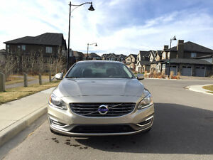 Beautiful 2015 Volvo S60 T5 premier+ low km, showroom condition!