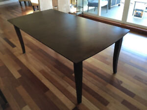 Selling in Campbell River Dinning Table
