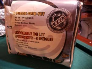 NHL Vancouver  Canucks 3 piece crib set