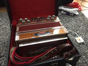 Melodija button accordion - superb condition