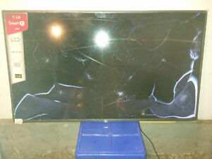 55 INCH NEW NEVER USED TV WITH BROKEN SCREEN