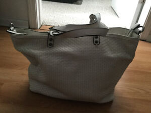 Cross Body Bag Or Women S Bags Wallets In Edmonton