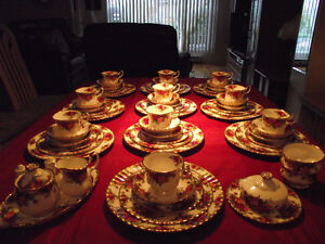 10 OU 8 COUVERTS VAISSELLE ROYAL ALBERT 18 KT OLD COUNTRY ROSES