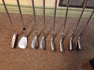 Callaway Golf Clubs: Complete Set For Sale W/Bag. (right hand) London Ontario image 5