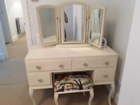 Vintage style dressing table