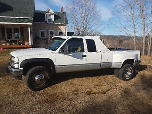 1996 Chevrolet 3500 Dually Diesel 4x4 Pickup Truck