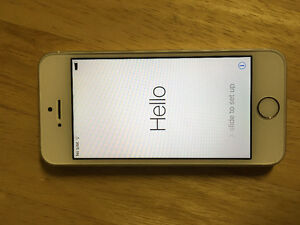 *REDUCED PRICE* iphone 5s IN MINT CONDITION!!
