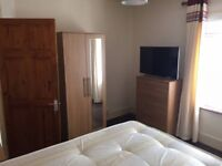 Stunning DOUBLE Room available for Quick move Leavesden Road, WATFORD - £150 / WEEK