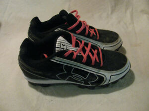 Under Armor Size 7.5 Womens Cleats