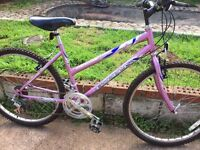 Ladies mountain bike comes with lock
