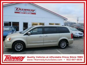 2011 CHRYSLER TOWN & COUNTRY LIMITED / REDUCED TO $12,977.00