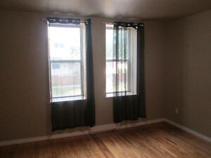 Now Available - Clean & Renovated 1bdrm, Incl/Water, (Near HSC)