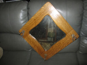 ANTIQUE VINTAGE 1/4 SAWN OAK HALLWAY MIRROR W/COATS HOOKS