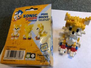 Sonic The Hedgehog Pixel Bricks build your own pixelated tails