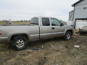 Iwant a 2wheel drive chev (GMC) truck or yukon manual trans 2x4