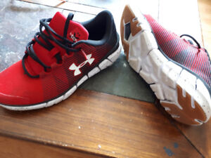 Boys  sneakers size 6.