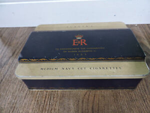 Player's Cigarette Tin to commemorate Queen's Coronation 1953 Kitchener / Waterloo Kitchener Area image 6