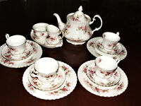 Royal Albert 17 Piece Tea & Lunch Set Lavender Rose Xmas Brunch