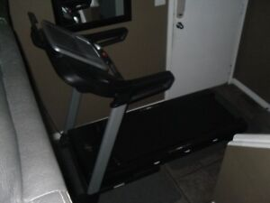 NordicTrack C700 Treadmill and exercise matts