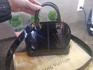 Sac Louis Vuitton Alma BB cuir verni neuf