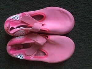 Toddler size 9 water shoes