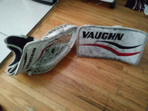 Youth Vaughn Blocker and Glove