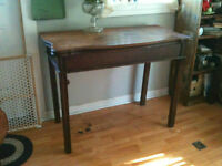 Antique Walnut table with 3 leaves Midland
