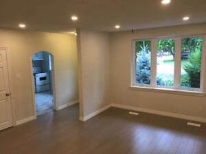 Beautifully Renovated 3Bed 2Wash with Private Laundry & Deck
