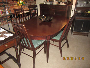 Oval Table and 4 chairs