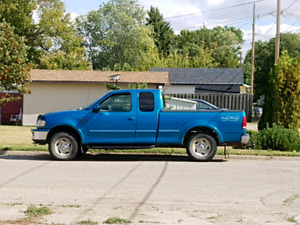 1998 ford f150 xlt    (No Rust)