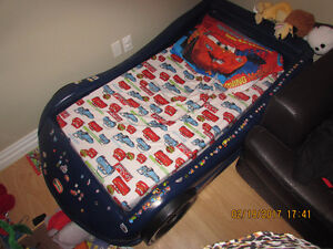 Little tykes Toddler bed