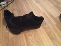 Limited edition swade black airforce size 8