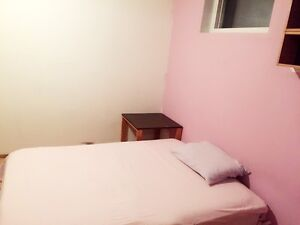 Furnished bedroom with Queen size bed for single in SE