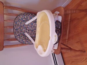 Safety 1st portable high chair immaculate condition