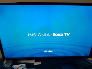 "32"" insignia roku smart tv."