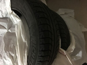 Set of 2 Used Michelin X-ICE Winter Tires (215/60/R17)