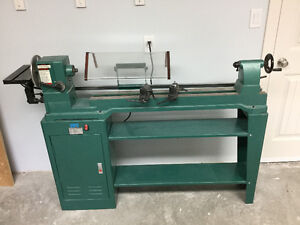 Large wood lathe with sanding disc