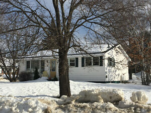 NEW LISTING....nice clean bungalow in great location
