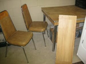 Kitchen table set London Ontario image 2