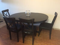 Black 60-90'' Dining Table with 4 chairs. (On sale URGENT)