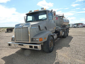 2001 Western Star Fuel Truck Strathcona County Edmonton Area image 1