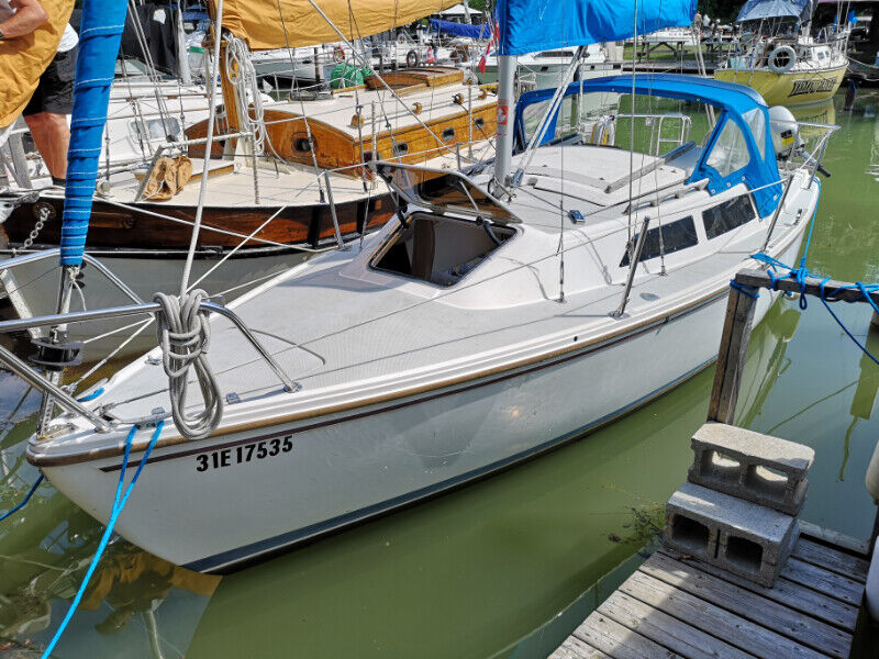 Catalina 22 with wing-keel For Sale