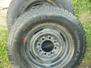 pneu 16.5 pouces