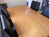 Oak veneer table with 5 chairs